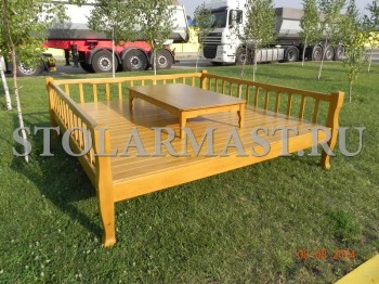 Топчан 220х220см со столиком