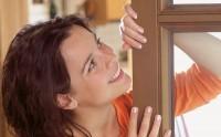 Ухаживаем за деревянными окнами правильно